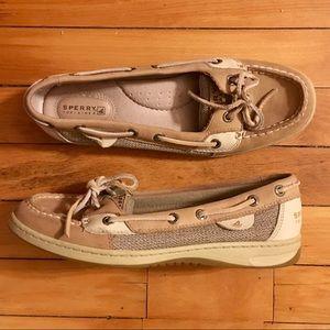 Speedy Woman's Angelfish Boat Shoe (Size 8)